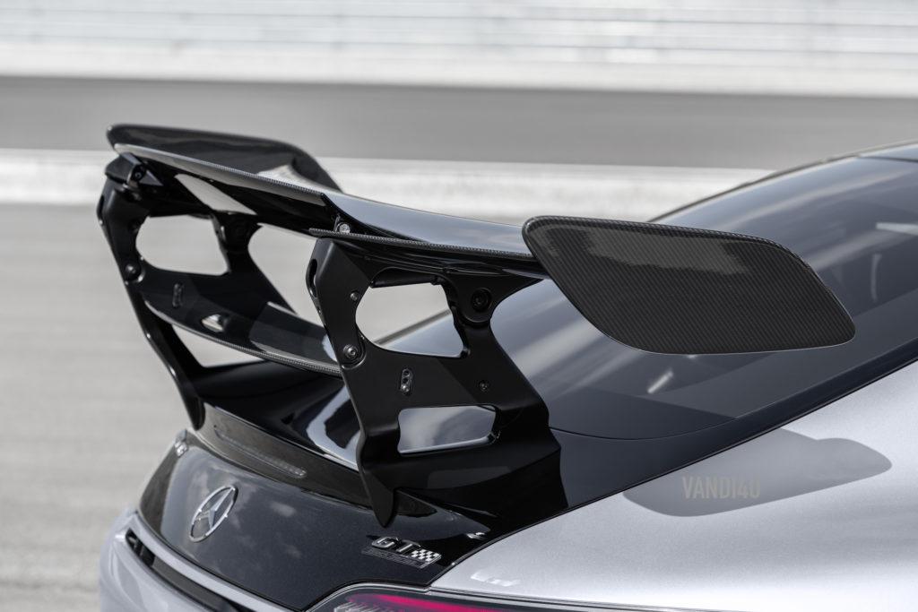 2021 Mercedes Benz AMG GTR Black Edition rear spolier