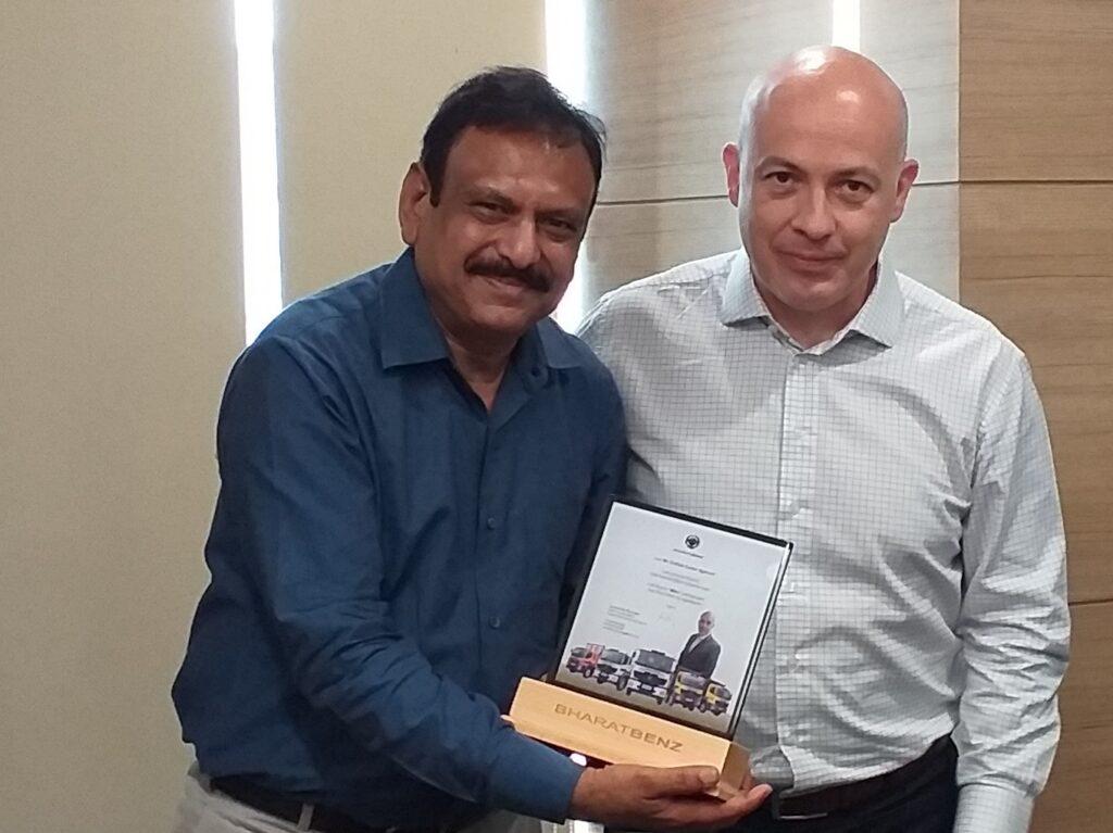 Daimler India Commercial Vehicles Revolutionizes Customer Engagement with Digital 'Mitra' Initiative    Vandi4u