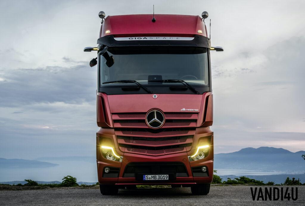 New Mercedes-Benz Actros: Top 6 things to know | Vandi4u