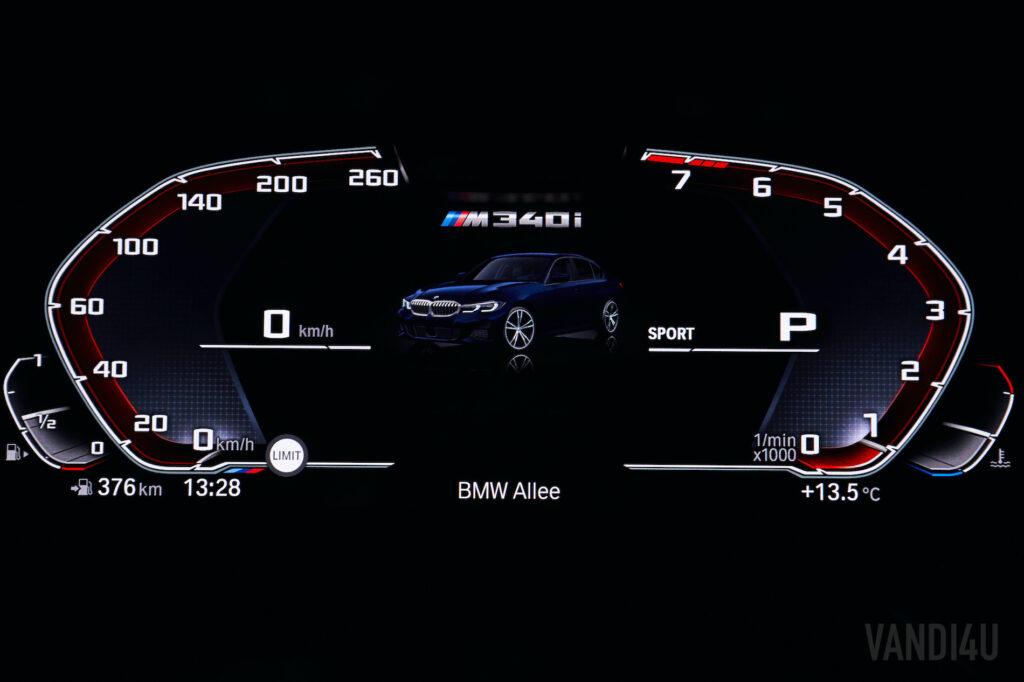 BMW M340i xDrive speedometer