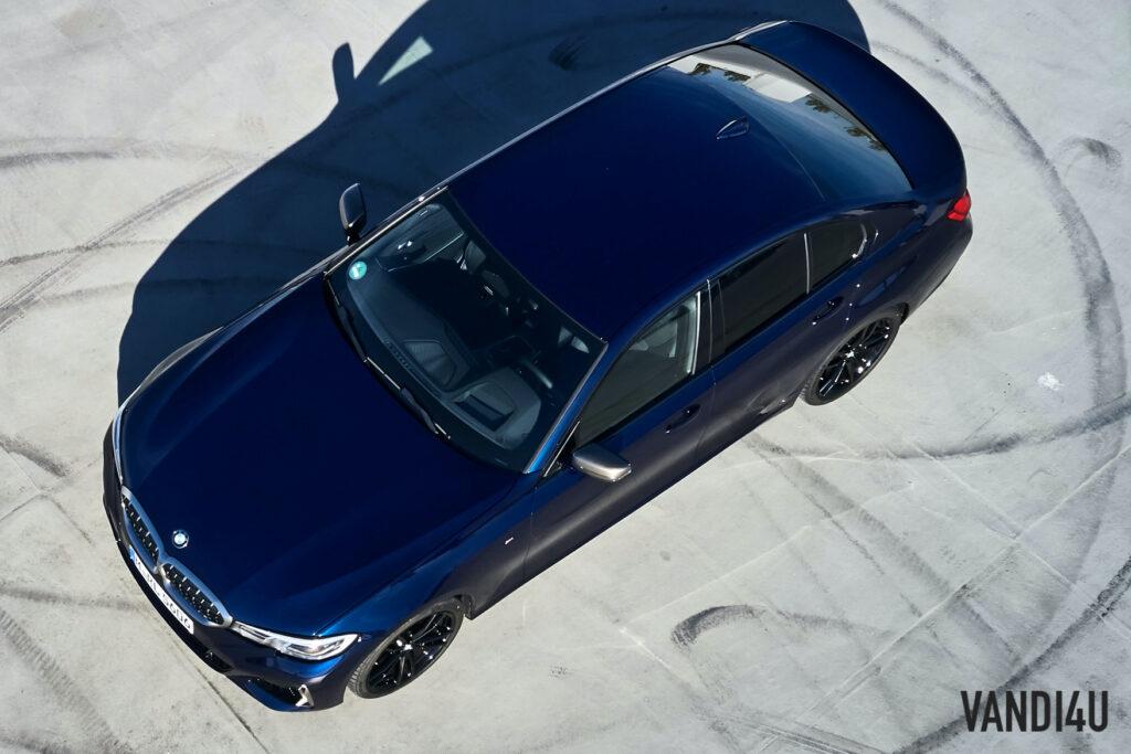 BMW M340i xDrive top view