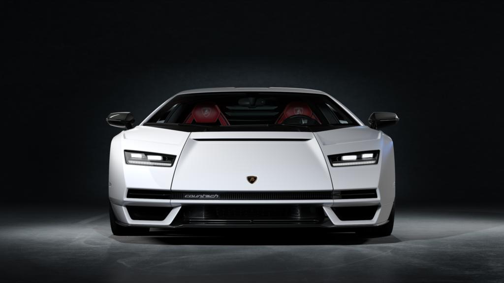Lamborghini Countach LPI 800-4 front view