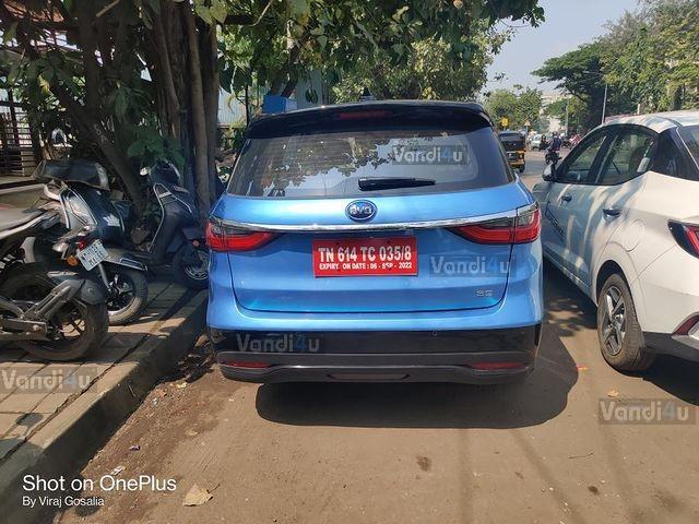 BYD el6 MPV rear view