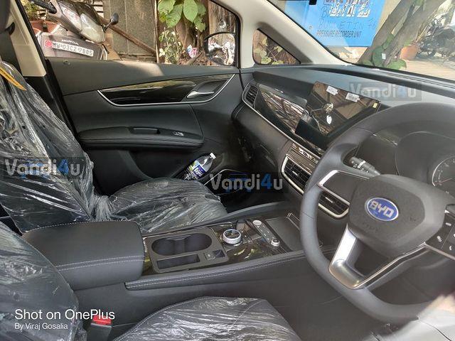 BYD e6 electric MPV interior